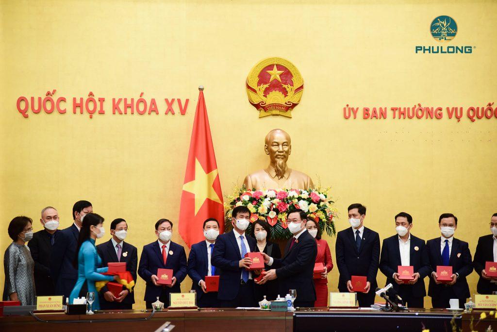 phu-long-thuong-hieu-manh